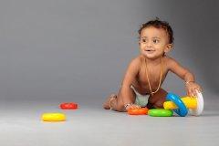 toddler_in_diaper.jpg